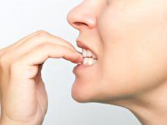 tırnak yeme alışkanlığını bırakma, tırnak yeme alışkanlığından kurtulma, tırnak yeme sorunu
